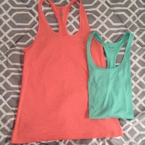 Nike Dri-Fit tank bundle